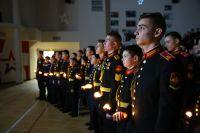Подробнее: «И свеча, словно перед иконой: «Ленинград! Мы с тобой!»